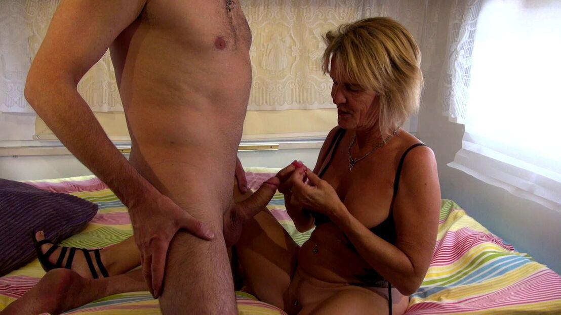 Frauenpenis Riesenschwanz Bikini Orgasmus