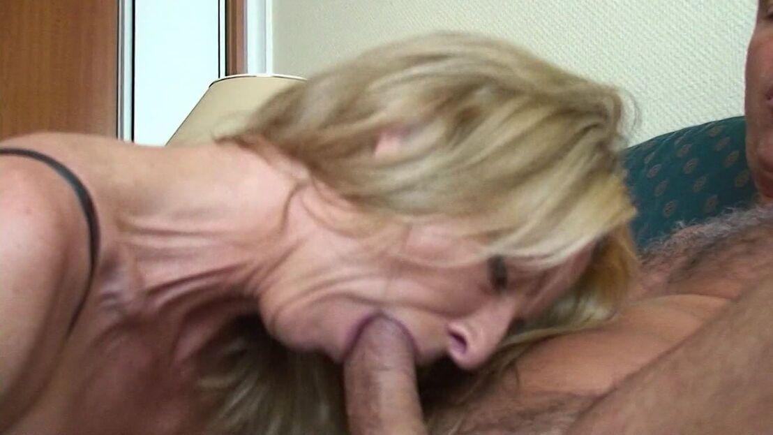 Amateure Miniarsch Inzest Orgasmus